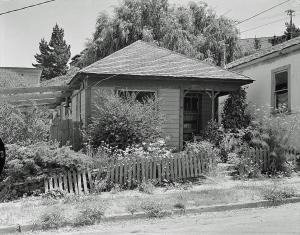 A House in Richmond, CA (Photo: Ed Andersen)